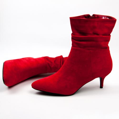 0789eebd14938 Všade samé pracky .... Väčšina takýchto topánok má zaujímavé prevedenie v  kvalitných materáloch. To, že mám slabosť na topánky ...