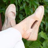 Krémové sandále