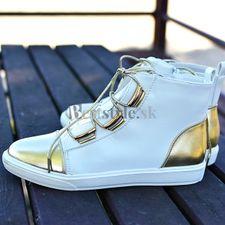 Bielo-zlaté čižmy